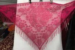 粉红色的普通蕾丝网三角形围巾