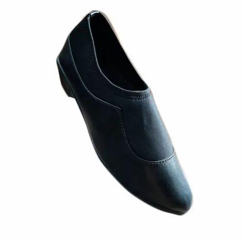 Ladies Black Plain Formal Shoes, Size