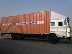 34 Feet Open & Close Body Trucks For Logistics, Capacity / Size Of The Shipment: 7 Ton