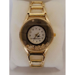 Ladies Golden Wrist Watch