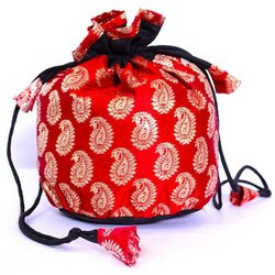 Silk Embroidered Manufacturer of Potli bags, Capacity: 100000, Size: 8 * 6 Inches