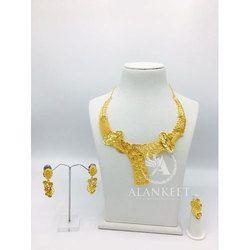 Ladies Short Necklace Set