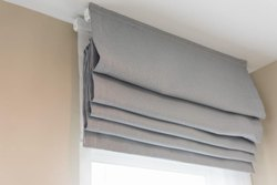 Manual Cotton & Synthetic Cloth Roman Blind