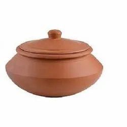 Clay pot handi