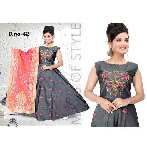 07bdc302d553d3 Ladies Silk Grey Sleeveless Anarkali Suit