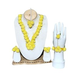 Yellow, red and yellow Haldi Ladies Flower Necklace Set, Packaging Type: Packet