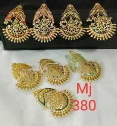 Meenakri Engagement Earring