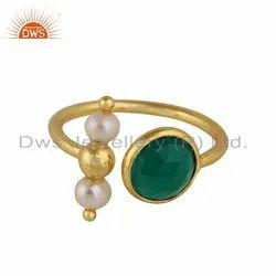 Natural Pearl Green Onyx Gemstone Yellow Gold Plated Silver Ring