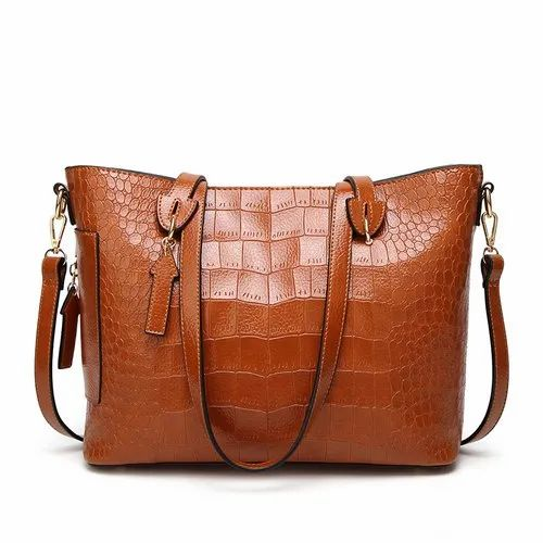 ed9bf9663a44 Ladies Leather Hand Bag