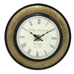 A Wooden Designe Colaction Brass Work Chainol Clock
