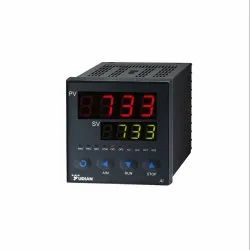 AI-733 Universal Temperature and PID Controller
