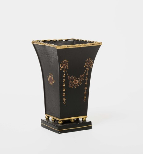 Amaya Black Flower Tassle Hand Painted Vase With Brass Feet At Rs