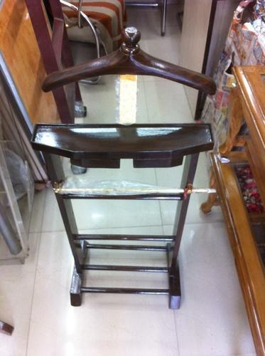 Wooden Coat Stand with Shoe Rack, For Showrooms