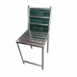 Mirror FInish 304 Stainless Steel Chair, For Restaurant, Size: 2.5 X 1.5 Feet