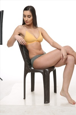ca0a248086 Plain Yellow Strapless Bra