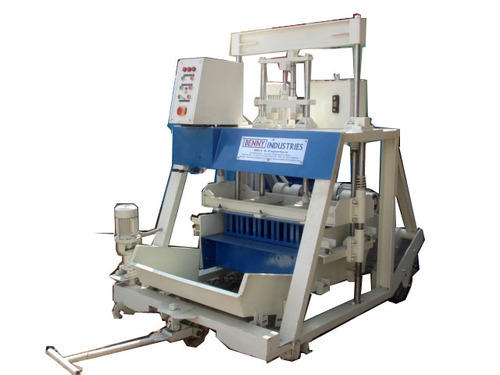 Benny Hollow Brick Making Machine