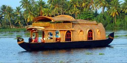Houseboat Cruising And Backwater Tours
