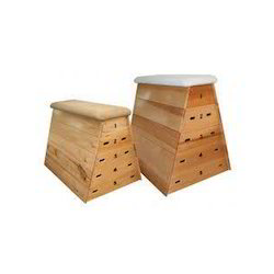 Rectangle Polished Wooden Vaulting Box, For Gym, Size (dimension): Standard