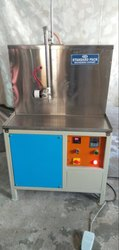 Soap Oil  / Cleaning Liquid Filling Machine