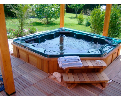 Exceptional Outdoor Spa Tub