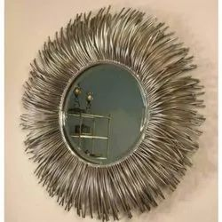 Metal And Glass Handcrafted Decorative Wall Mirror, Packaging Type: Box, Mirror Shape: Round