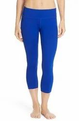 Straight Fit Plain Capri Leggings