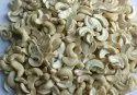 Roasted White Split Cashew Nut, Packaging Size: 10 Kg