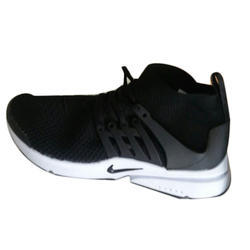 official photos 9f280 8173f Lace-Up Nike Black Running Shoes, Size  7-11