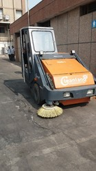 Sweeping Machine for Industrial Road