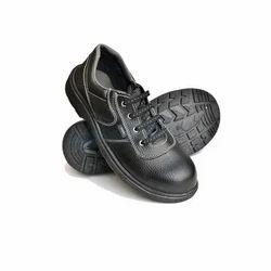 黑色的安全鞋