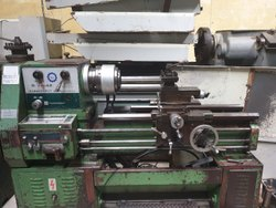 Used & Old Victor Lathe Machine