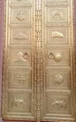 Metal Laminated Temple Brass Door, Golden