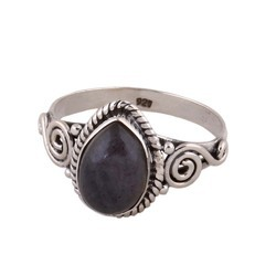 Top Quality Labradorite Gemstone Ring Cabochon Fire Stone Charm Ring Middle Finger Ring At Rs 375 Piece Silver Finger Rings Id 16987314548