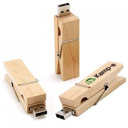 Wooden Clip On Pendrive