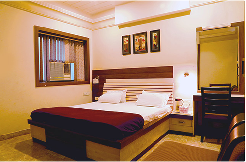 Hotels Restaurants Of Standard Ac Room Services Duluxe