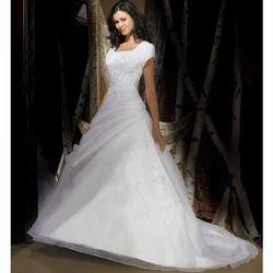 5f6cc6537 Shiloh Creations L and XL Chapel Train Bridal Gown