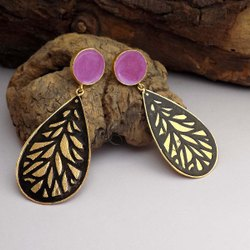 Gold plated designe leafy Earring