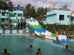Reverse Hump Multilane Water Slides