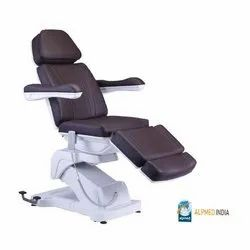 Four Actuator Medical Cosmo Chair