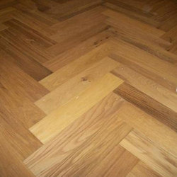 Oak Wood Herringbone Flooring for Indoor, Thickness: 8-18 mm