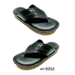 Men Black Leather Slipper, Size: 6, 7, 8 and 9