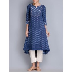 Casual Wear Blue Ladies Printed Cotton Kurti, Handwash