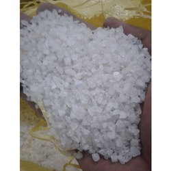 White Granules Solid Quartz Grits, Packaging Type: HDPE Bag, 50 Kg