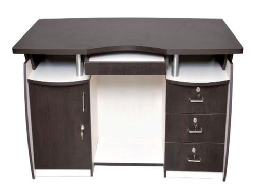 Rectangular Godrej Office Table Size 525 Rs 10200 Piece Id