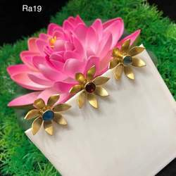 COLOR STONE flower stud