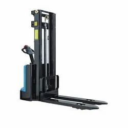Pallet Stackers Rental