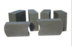 Grey Alumina Magnesia Carbon Brick, For Constructions Industry