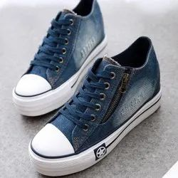 Blue Daily Wear Ladies Leisure Canvas Shoes