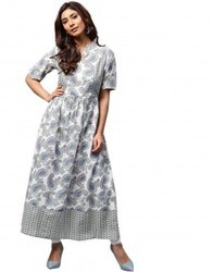 Women Cotton Off White 3/4th Sleeve A-Line Paisley Kurta