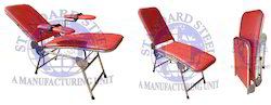 standard steel Red Blood Donation Camp Chair, Size: 72 X 20 X 20